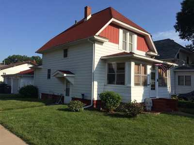 Clinton Single Family Home For Sale: 702 Park