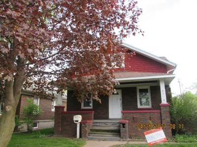 Clinton Single Family Home For Sale: 518 1st