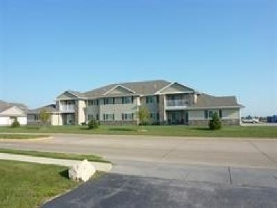 Eldridge Condo/Townhouse For Sale: 340 E Franklin