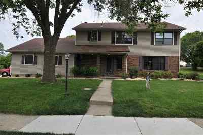 Bettendorf Single Family Home For Sale: 1640 Plymouth
