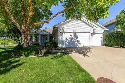 Bettendorf Single Family Home For Sale: 2968 Church