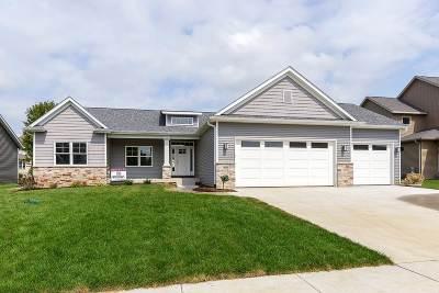 Eldridge Single Family Home For Sale: 818 W Pinehurst