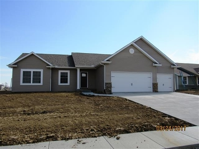 Bettendorf Single Family Home For Sale: 4296 Happiness