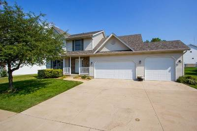 Bettendorf Single Family Home For Sale: 3626 Raleigh