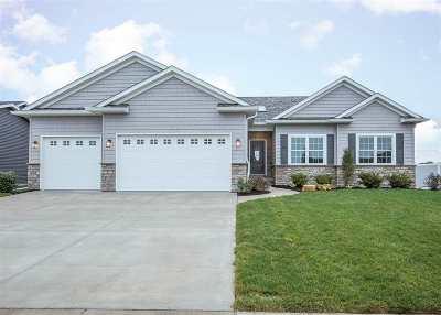 Eldridge Single Family Home For Sale: 721 St Andrews