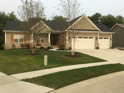 Bettendorf Single Family Home For Sale: 5951 Charlie Chase