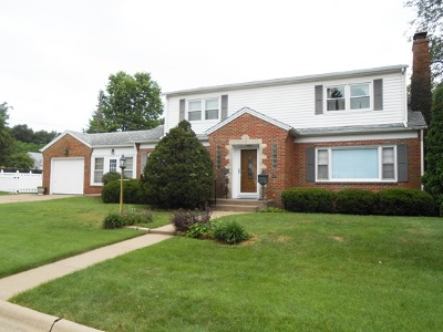Bettendorf Single Family Home For Sale: 809 10th