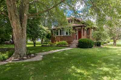 Clinton Single Family Home For Sale: 1800 9th S