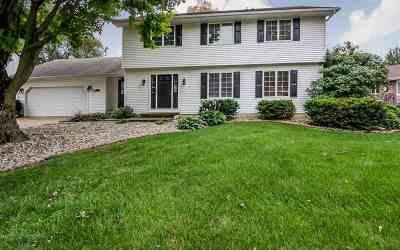 Eldridge Single Family Home For Sale: 715 W Spring