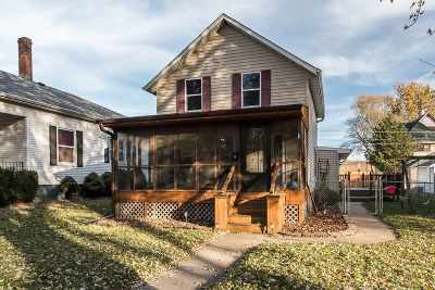 Clinton Single Family Home For Sale: 1123 Pershing
