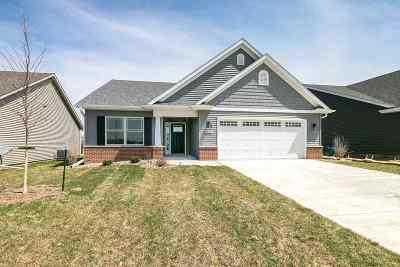 Bettendorf Condo/Townhouse For Sale: 5443 Cavan Crossing