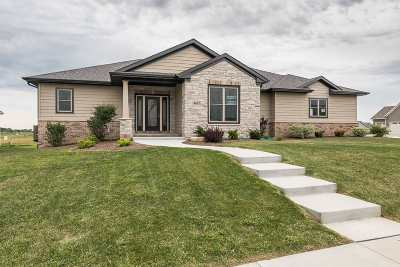 Bettendorf Single Family Home For Sale: 4651 57th
