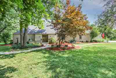 Le Claire Single Family Home For Sale: 600 Sycamore