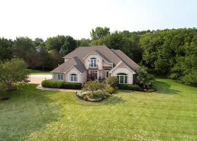 Scott County Single Family Home For Sale: 4420 Valley Brook