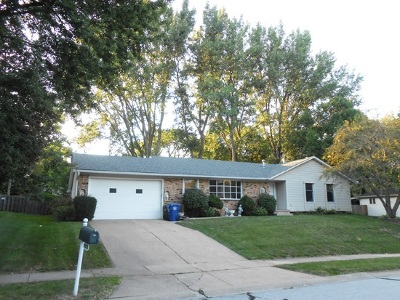 Bettendorf Single Family Home For Sale: 4053 Tanglefoot