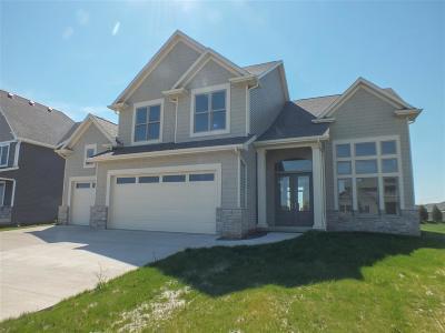 Scott County Single Family Home For Sale: 5700 Emily