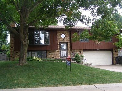 Bettendorf Single Family Home For Sale: 2500 East Dale