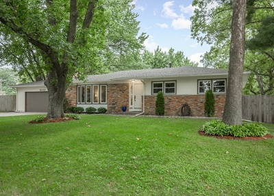 Bettendorf Single Family Home For Sale: 5134 Surrey