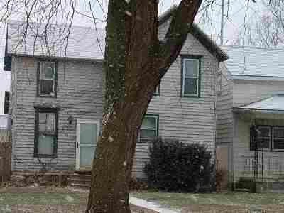 Clinton IA Single Family Home For Sale: $7,900