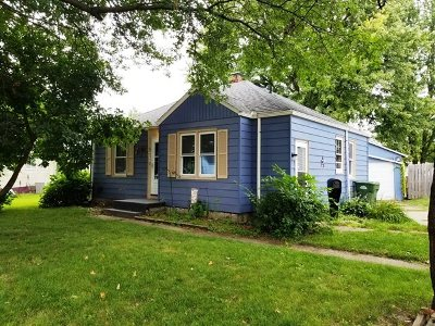 Clinton Single Family Home For Sale: 2110 Center