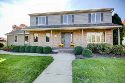 Bettendorf Single Family Home For Sale: 6625 James
