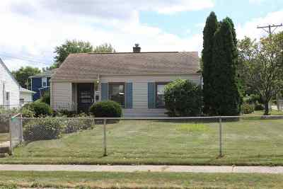 Scott County Single Family Home For Sale: 1803 North