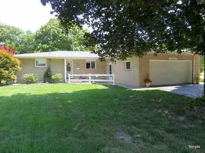 Morrison IL Single Family Home For Sale: $159,000