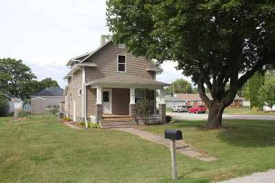 Single Family Home For Sale: 132 E Garonne