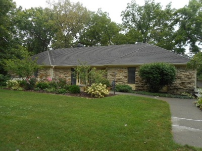 Bettendorf Single Family Home For Sale: 12 Oakbrook