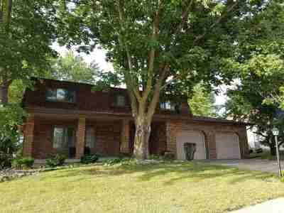Bettendorf Single Family Home For Sale: 1450 Terrace Park