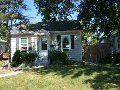 Davenport IA Single Family Home For Sale: $102,000