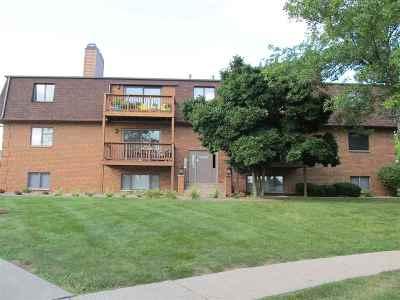 Bettendorf Condo/Townhouse For Sale: 4190 Mallard