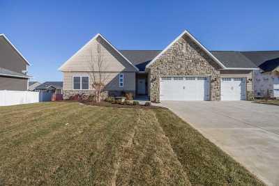 Bettendorf Single Family Home For Sale: 5361 Emily