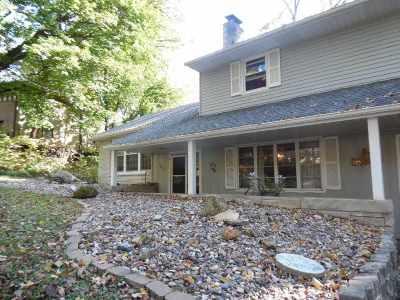 Clinton Single Family Home For Sale: 909 Oakhurst