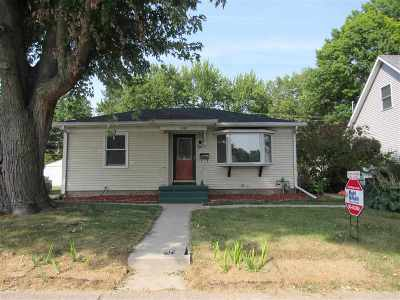 bettendorf Single Family Home For Sale: 2838 Bellevue