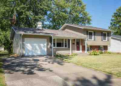 Bettendorf Single Family Home For Sale: 3108 Greenbrier