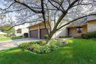 Bettendorf Condo/Townhouse For Sale: 3357 East Ridge