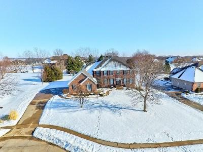 Bettendorf Single Family Home For Sale: 5209 Blackhawk Trail