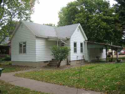 Clinton Single Family Home For Sale: 330 4th Ave N