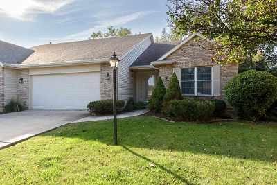 Bettendorf Condo/Townhouse For Sale: 2164 Hogan Ct S