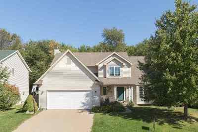 Bettendorf Single Family Home For Sale: 2075 Plum Tree