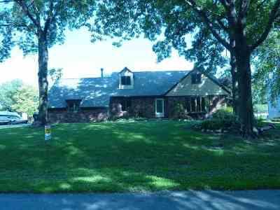 Bettendorf Single Family Home For Sale: 3395 W Harbor