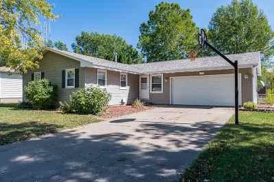 Eldridge Single Family Home For Sale: 507 N 5th