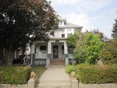 Clinton Multi Family Home For Sale: 322 3rd Ave S