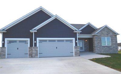 Bettendorf Single Family Home For Sale: 4711 Mason