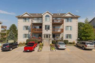 Bettendorf Condo/Townhouse For Sale: 3038 Holiday