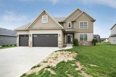 bettendorf Single Family Home For Sale: 5882 Vanderginst