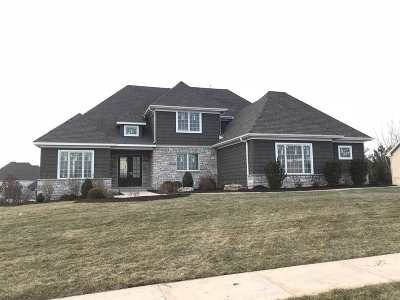 Bettendorf Single Family Home For Sale: 5156 Pigeon Creek