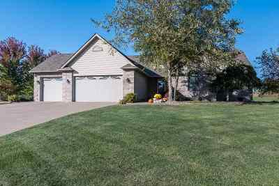 bettendorf Single Family Home For Sale: 19485 258th