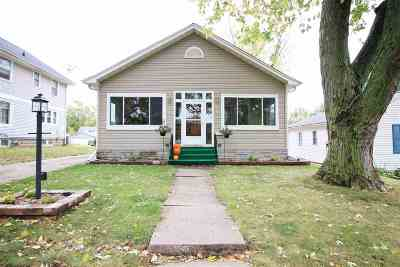 Clinton IA Single Family Home For Sale: $89,900
